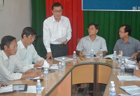 HĐND tỉnh làm việc với Hiệp hội doanh nghiệp vào chiều 25-3.