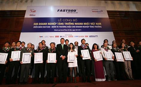 Các doanh nghiệp được tôn vinh tại lễ công bố.