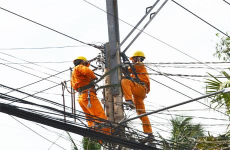 EVN cho rằng, lần điều chỉnh giá điện này sẽ không ảnh hưởng đến chi tiêu của hộ nghèo và thu nhập thấp.