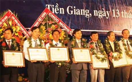 Họp mặt nhân ngày Doanh nhân Việt Nam hàng năm là dịp để các doanh nhân chia sẻ kinh nghiệm trong quá trình sản xuất - kinh doanh.
