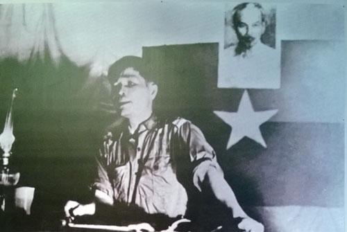 Đại tướng Nguyễn Chí Thanh tại Hội nghị tổng kết công tác của Quân ủy miền và Trung ương Cục miền Nam (năm 1965).