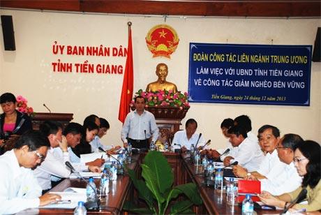 Phó Thống đốc Ngân hàng Nhà nước Nguyễn Đồng Tiến làm việc với lãnh đạo UBND và các sở, ngành tỉnh Tiền Giang.