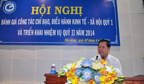Ông Nguyễn Văn Khang, Chủ tịch UBND tỉnh chỉ đạo tại Hội nghị.