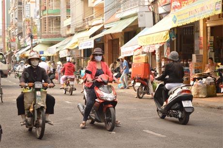 Đường Nguyễn Huệ - Đường có giá cao nhất tỉnh. Ảnh: Vân Anh
