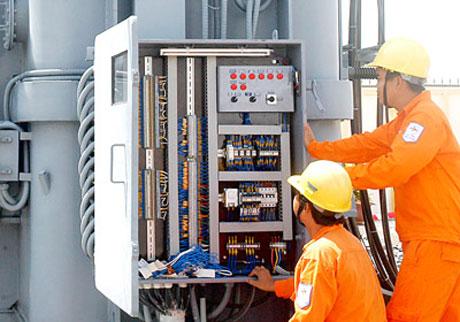 Tình hình sản xuất của các DN đang chịu nhiều tác động từ giá điện tăng.