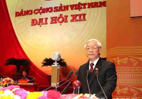 Tổng Bí thư Nguyễn Phú Trọng trình bày báo cáo chính trị của BCH Trung ương khóa XI tại phiên khai mạc