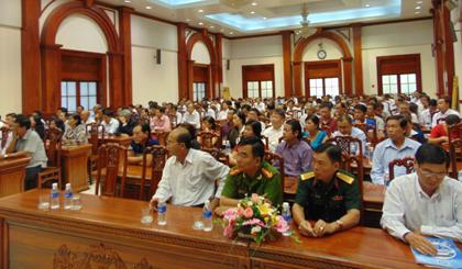 Quang cảnh buổi họp mặt đầu năm với một số nhà đầu tư và doanh nghiệp.