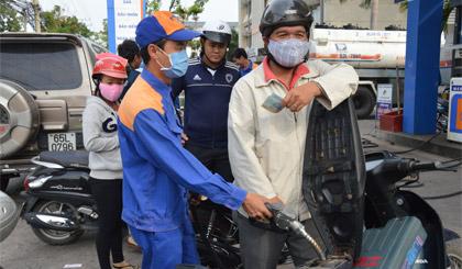Công ty xăng dầu Tiền Giang đạt giải Bạc Chất lượng Quốc gia năm 2015. Ảnh: Vân Anh