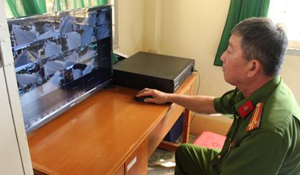 """Mô hình """"Camera giám sát ANTT"""" của thị trấn Vĩnh Bình bước đầu mang lại hiệu quả."""