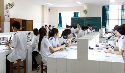 Giảng viên Trường Cao đẳng Y tế Tiền Giang ứng dụng các đề tài nghiên cứu khoa học vào giảng dạy.