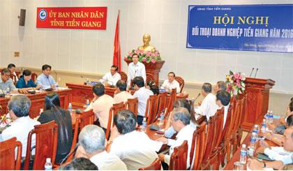 UBND tỉnh thường xuyên tổ chức đối thoại DN.