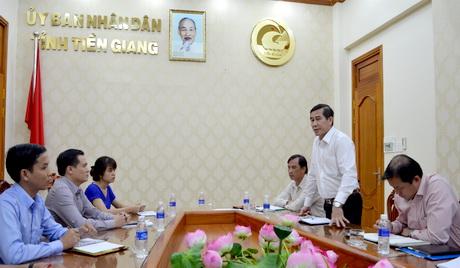 Chủ tịch UBND tỉnh Lê Văn Hưởng tiếp xúc lãnh đạo Công ty CP Khánh Long.