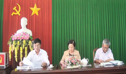 Central Committee's Commission for Mass Mobilisation works with Chau Thanh district