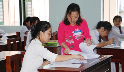 Over 17,300 students participate 10th grade entrance exam