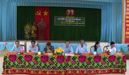 The Provincial People's Council deputies meet with voters in Cho Gao district