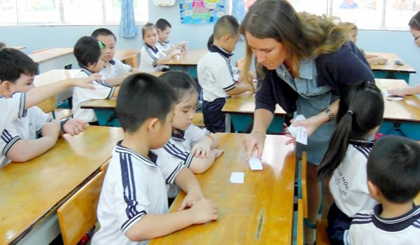 HCMC expands teaching maths, science in English
