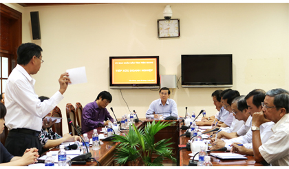 Chủ tịch UBND tỉnh Lê Văn Hưởng chủ trì đối thoại với DN định kỳ hàng quý.