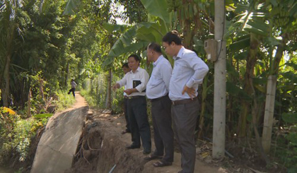 Surveying the landslide situation in Cai Lay district