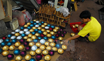 Lacquer traditional craft preserved in Binh Duong