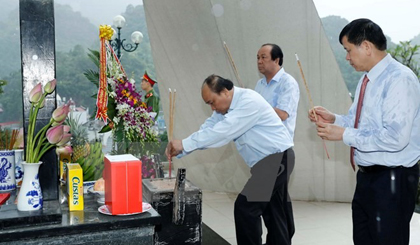 Viet Nam honors its war heroes