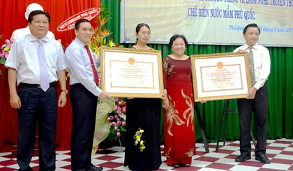 Phu Quoc fish sauce recognised as traditional craft