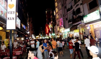 Ho Chi Minh city officially opens Bui Vien walking street