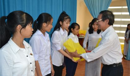 150 poor studious students awarded scholarships