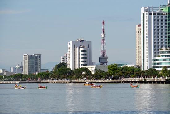 Gần 200 vận động viên tham dự giải đua thuyền Đà Nẵng mở rộng