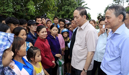 President Quang visits flood-hit region in aftermath of Damrey