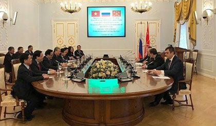Politburo member Vuong wraps up visit to Russia