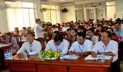The Tien Giang provincial Taxation Department holds the dialogue with enterprises