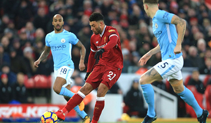 Liverpool 4-3 Man City: The Citizens đứt mạch bất bại