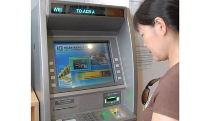 SBV to penalize banks for lack of cash in ATMs