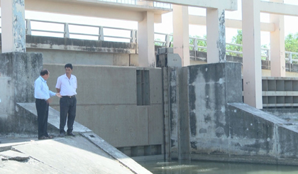 Department of Agricuure and Rural Development inspects the water situation for production