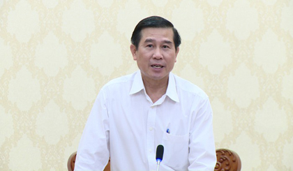 Tien Giang provincial People's Committee deploys solutions to develop star apple