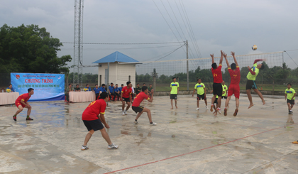 ĐV-TN tỉnh Tiền Giang tham gia giao lưu bóng chuyền với  Xã đoàn Long Thuận, huyện Bến Cầu, tỉnh  Tây Ninh.