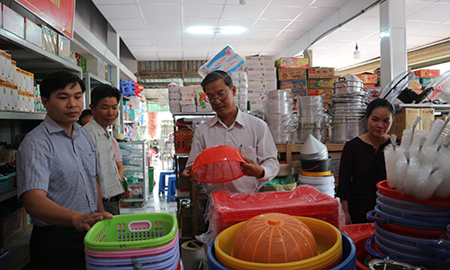 Vietnamese goods sale point at Tan Phu Dong district announed