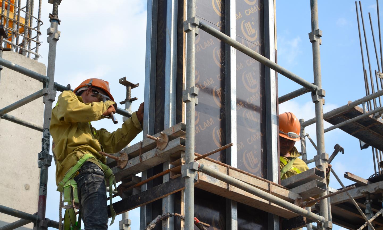 Big C Mỹ Tho được UBND tỉnh quyết định phê duyệt đầu tư vào tháng  10-2014, đến tháng 9-2015 khởi công dự án, với tổng diện tích hơn 18.000 m2.  Sau đó, do nhiều nguyên nhân, dự án tạm ngưng thi công, đến ngày  15-6-2017 được khởi động lại. Trong giai đoạn này, UBND tỉnh và UBND  TP. Mỹ Tho liên tục làm việc với nhà đầu tư để đẩy nhanh tiến độ thực hiện dự án.