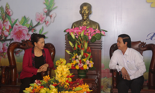 National Assembly Chairwoman Nguyen Thi Kim Ngan pays Tet visit to Tien Giang province
