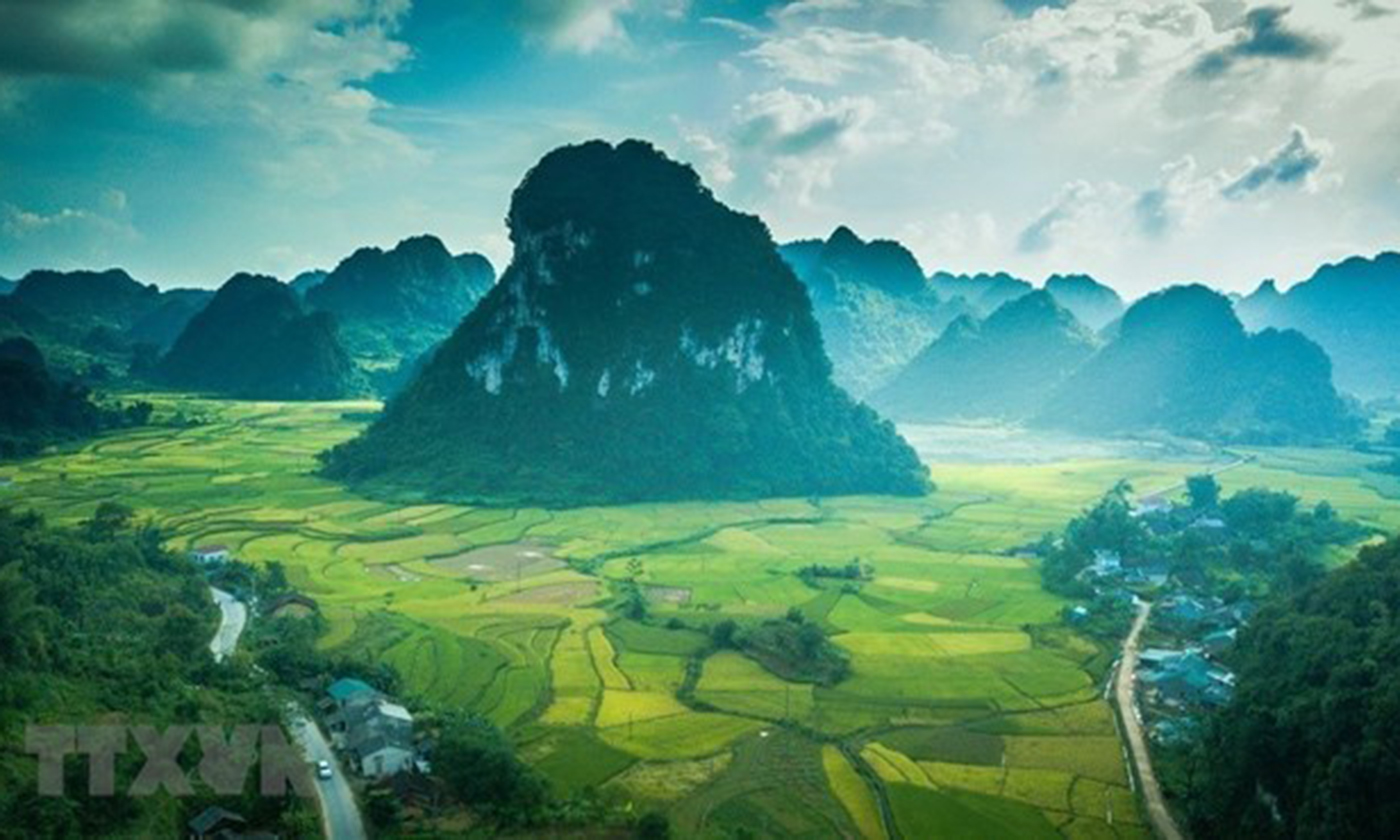 The recognition of the Non Nuoc Cao Bang Geopark in Cao Bang province as a UNESCO Global Geopark is among the outstanding events in 2018 selected by the Ministry of Natural Resources and Environment (Photo: VNA)