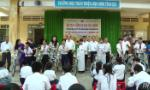 65 poor pupils in Chau Thanh District presented scholarships