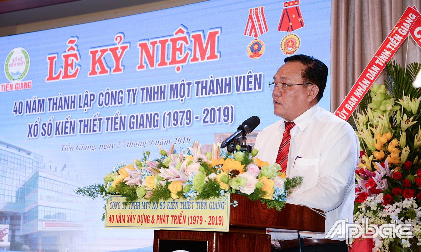 Đồng chí Lê Văn Nghĩa phát biểu tại buổi lễ.