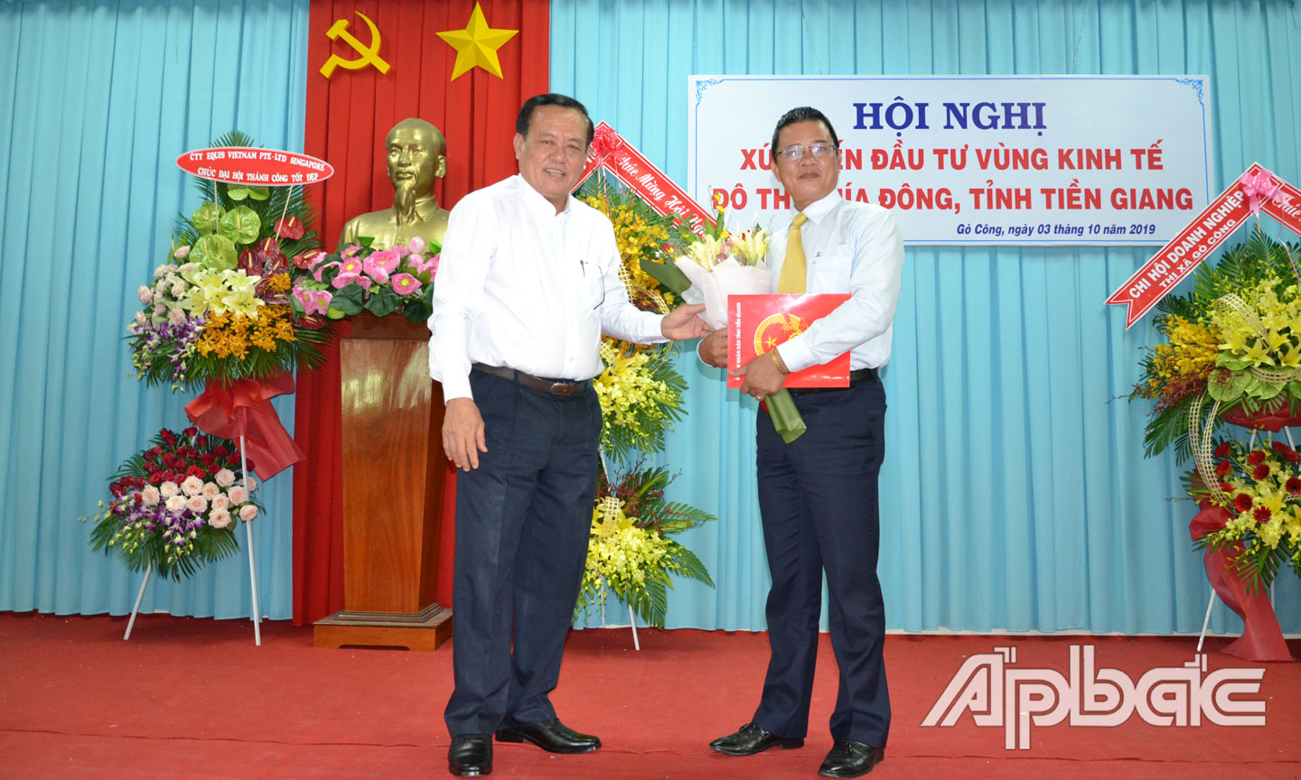 ABO – On October 3, Go Cong town People's Committee organized the conference on investment promotion of the Eastern urban economy area, Tien Giang province.
