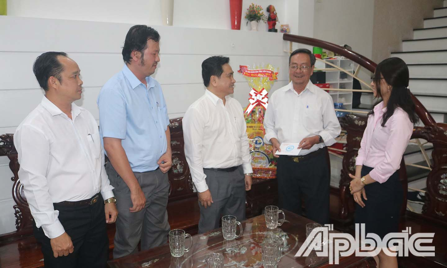 Vice Chairman of Tien Giang People's Committee extends Tet greetings to the retired provincial leaders