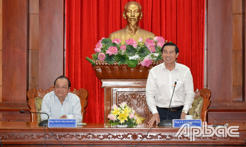 Đồng chí Lê Văn Hưởng phát biểu tại buổi làm việc.