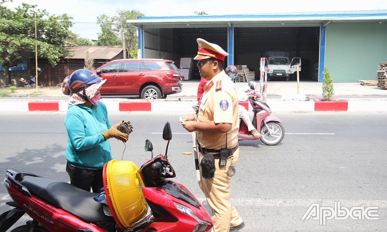 Lực lượng Cảnh sát giao thông - Công an tỉnh tăng cường công tác tuần tra, kiểm soát nhằm đảm bảo trật tự, ATGT, kéo giảm TNGT.